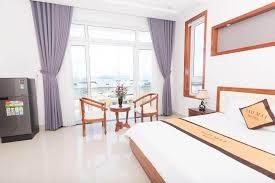 Bán khách sạn góc 2mt đường Phan Văn Trị, Khu Thùy Vân. View biển 100%.