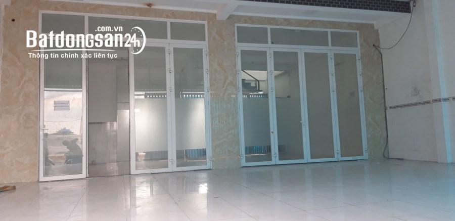 Nhà đúc 1 lầu nhà mới.đ.xe công 1 sẹc lê văn khương.q12.dt 8mx20m.giá 18 triệu