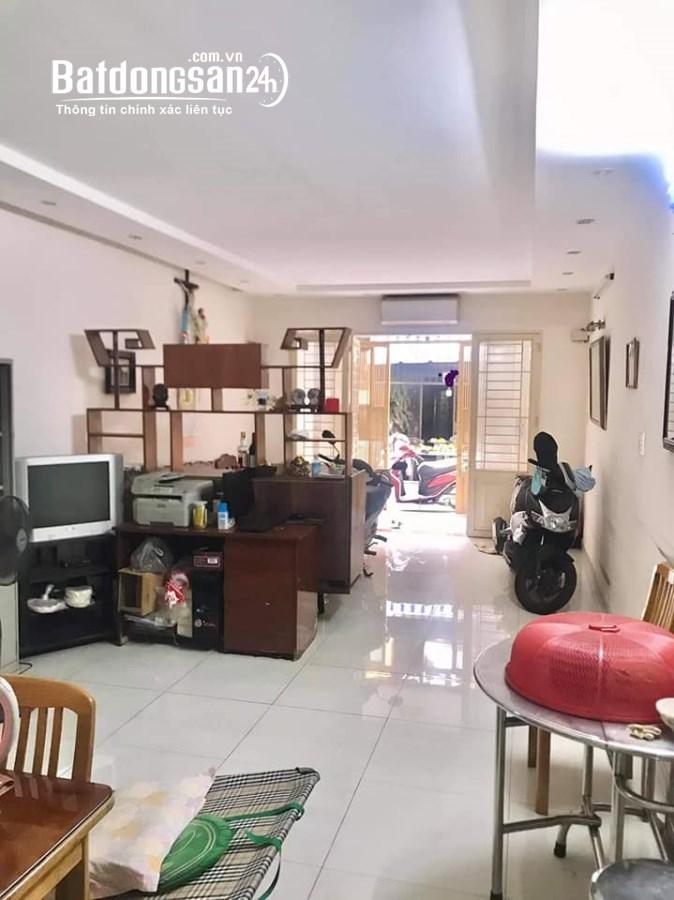 Bán nhà mặt phố Đường Nguyễn Tri Phương, Phường 4, Quận 10