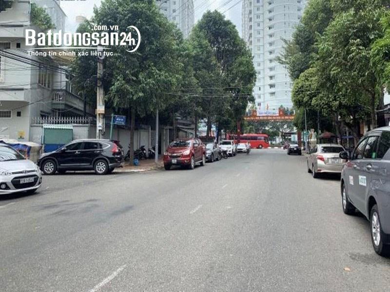 Bán gấp đất mặt tiền đường Phạm Ngọc Thạch DT 86m2 giá chỉ 8,5 tỷ TL