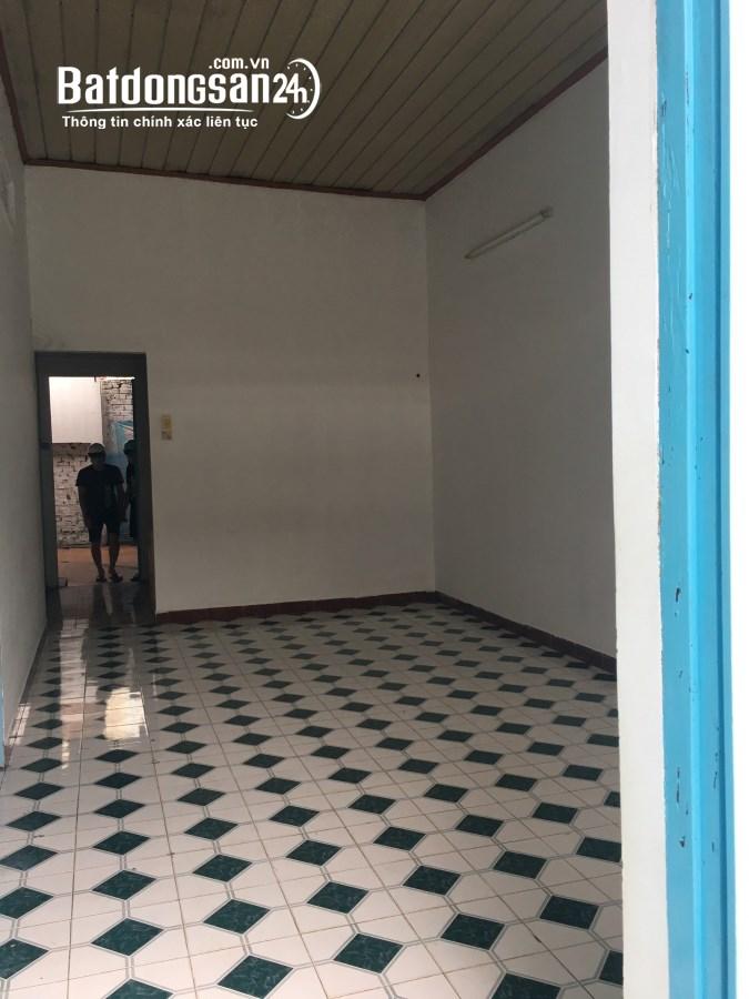 Cho thuê nhà cấp 4 hẻm Lê Chí Hiếu 120m2 giá chỉ 4tr